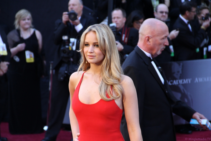 jennifer-lawrence-at-the-83rd-academy-awards-red-carpet-img_1081